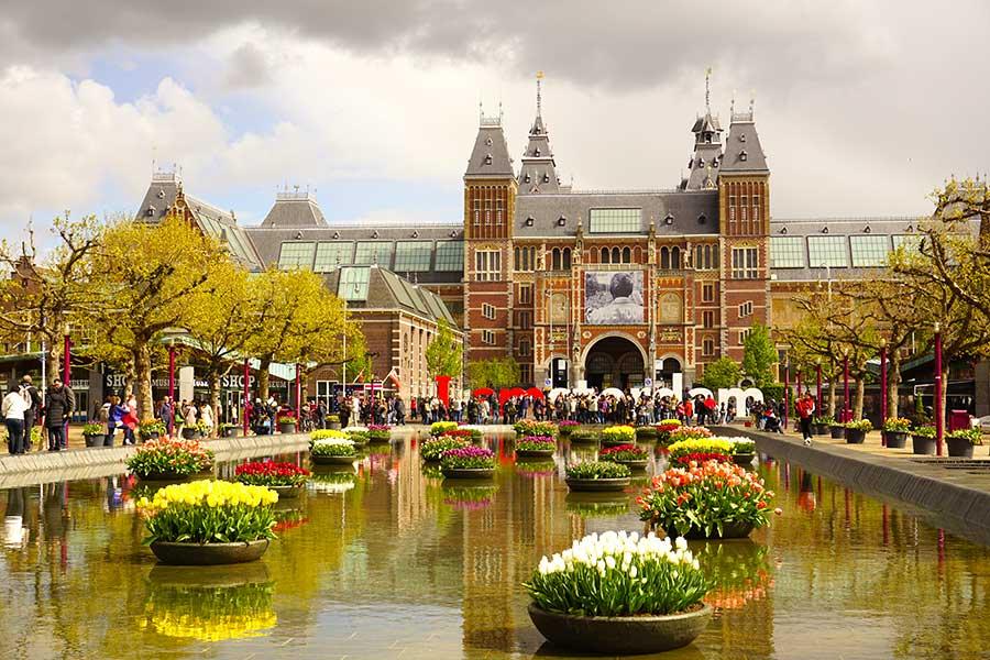 Museumplein_amsterdam