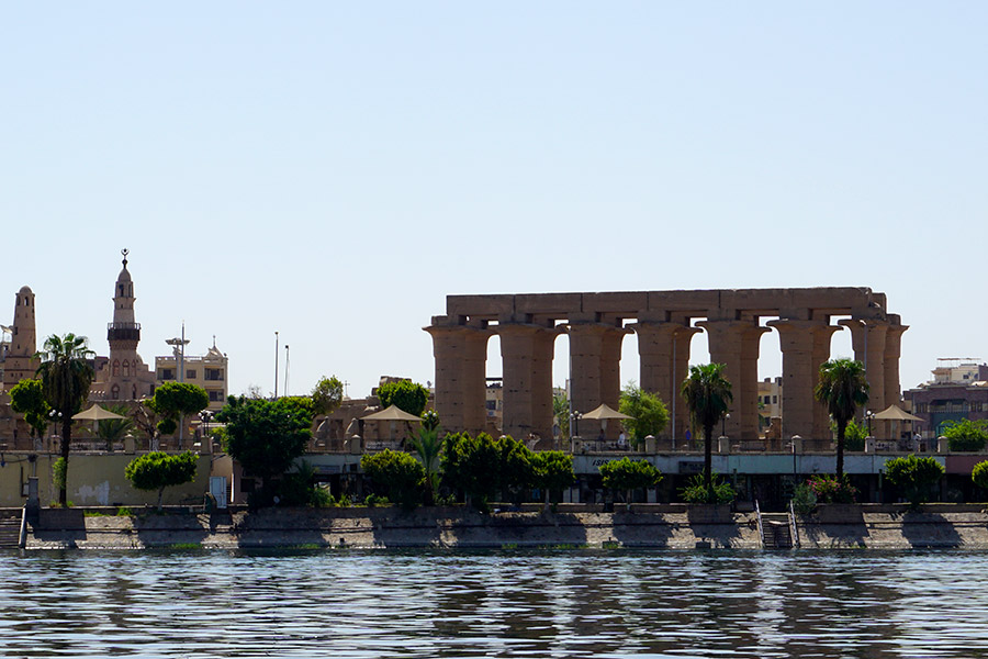 Luxor desde el rio Nilo