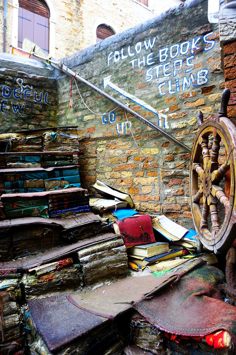 libreria acqua alta venecia