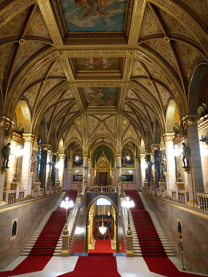 parlamento de budapest por dentro