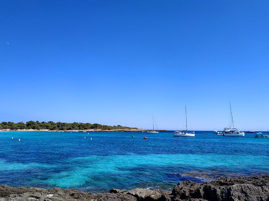 playa son saura mejores calas de Menorca
