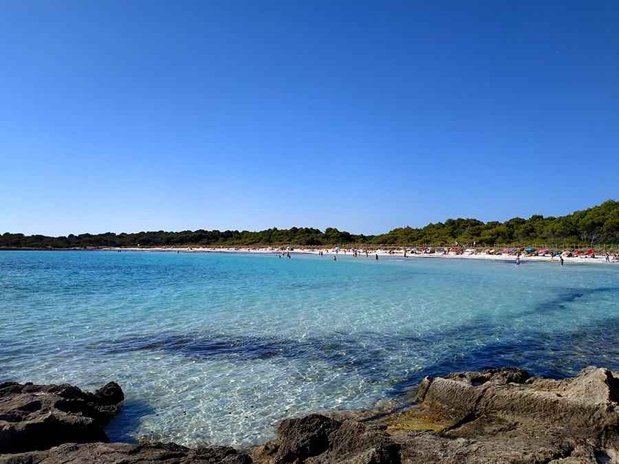 Cala son Saura mejores calas de Menorca