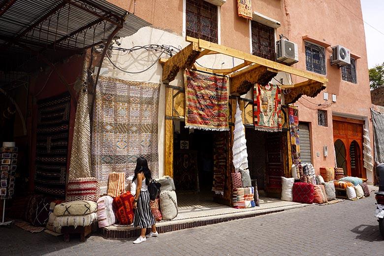 alfombras zocos marrakech