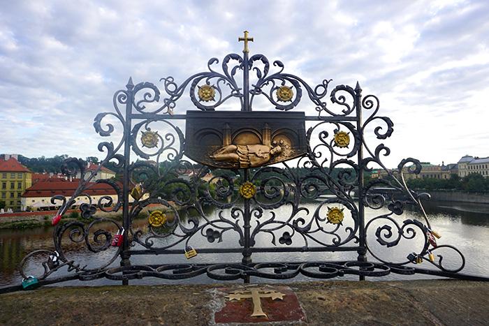 estatuas del Puente de Carlos praga