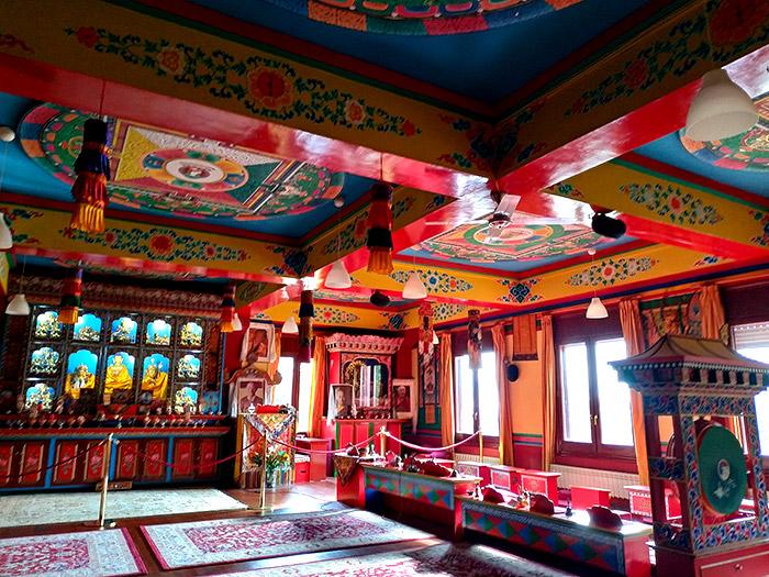 templo budista huesca
