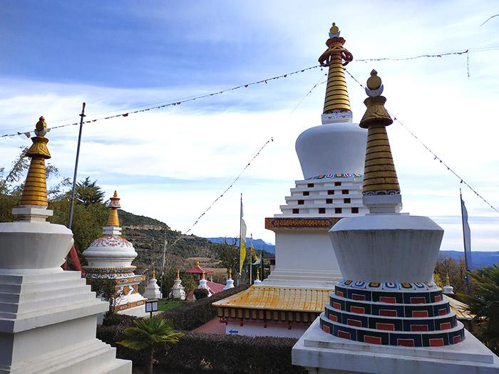 arquitectura templo budista huesca