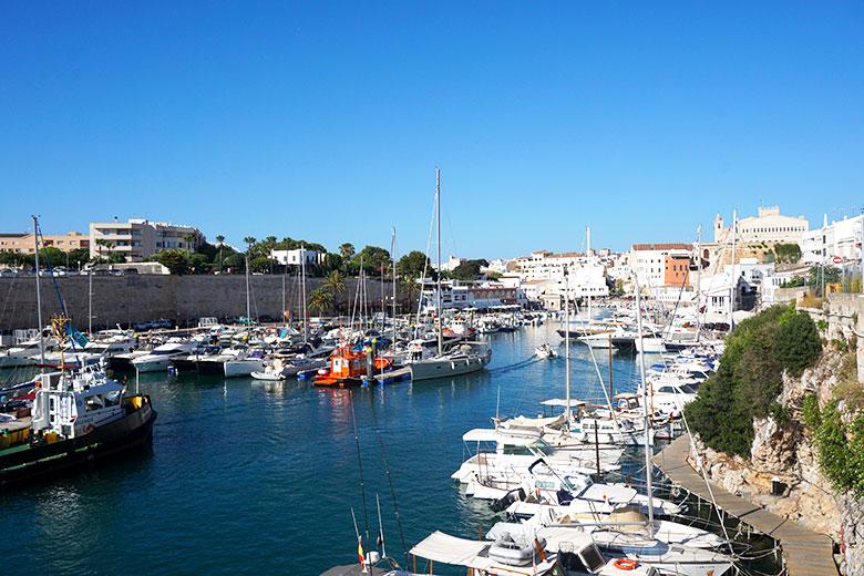 donde alojarse en el sur de Menorca