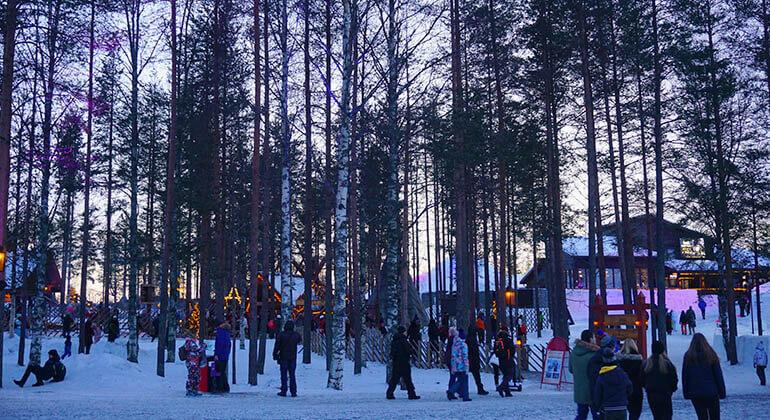 cómo llegar a Santa Claus Village