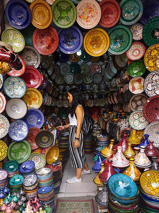 Puestos platos de colores Marrakech