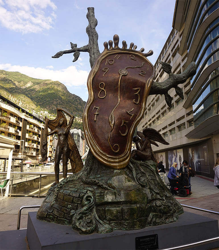 Reloj de Dalí en Andorra la Vella