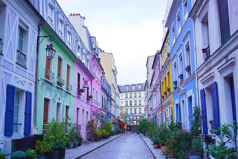 calle de colores en París