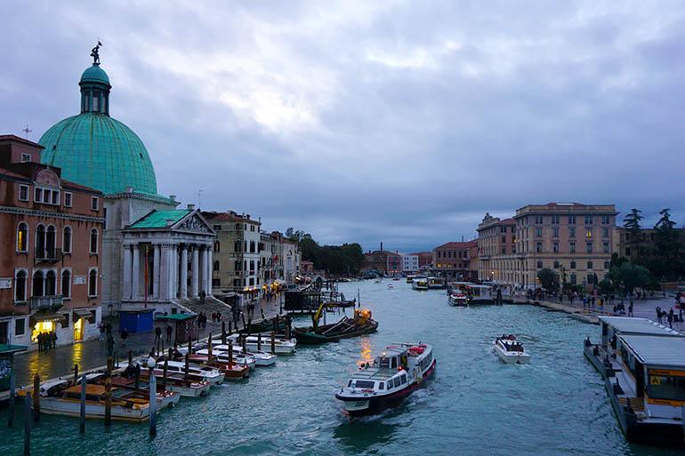 mejores zonas donde alojarse en Venecia barato