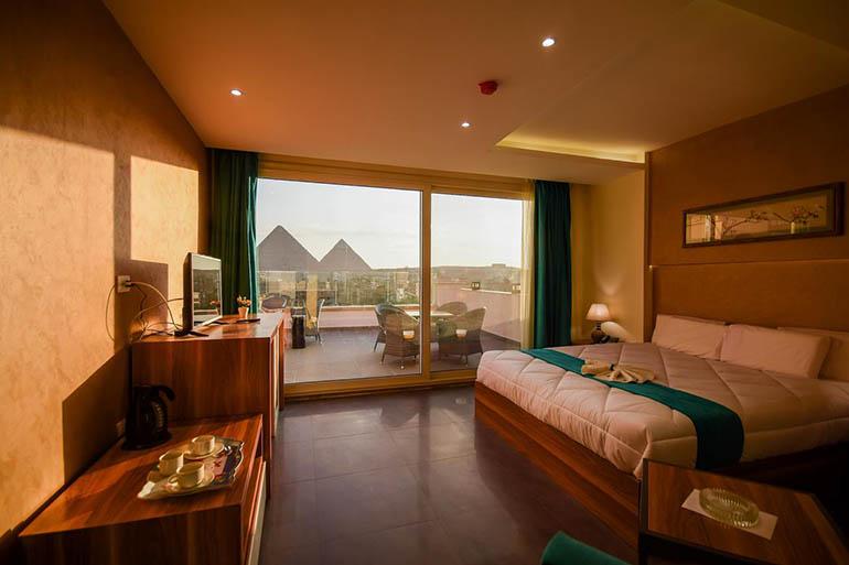 Hotel con vistas a las pirámides de Guiza